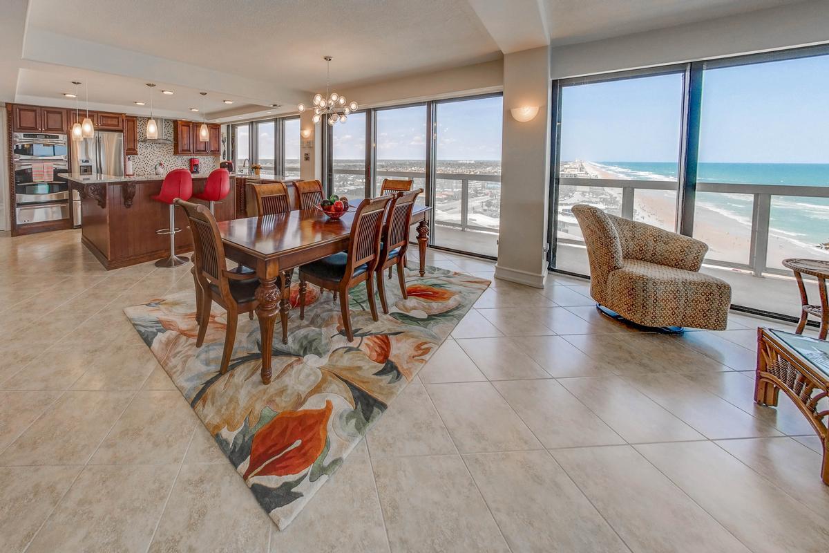 Stunning 360° Daytona Beach and ocean views mansions