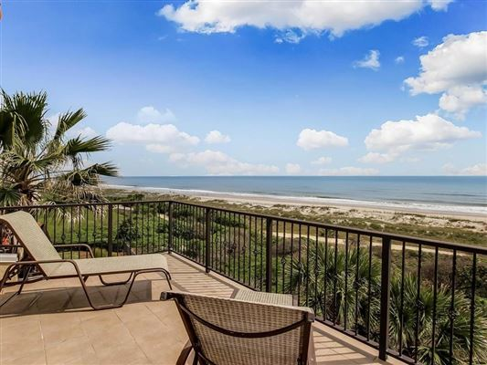 Luxury homes VERY RARE LUXURY OCEANFRONT HOME
