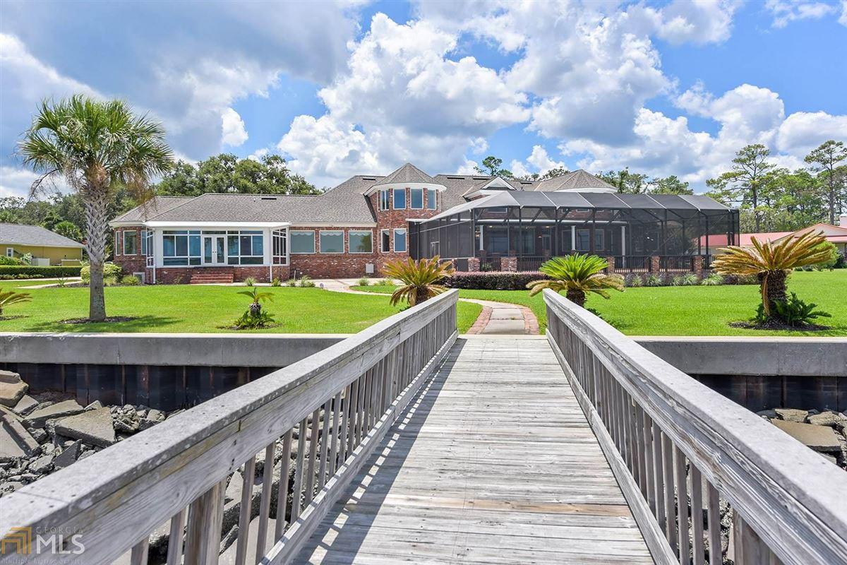 Majestic Waterfront Estate in St. Marys, GA luxury homes