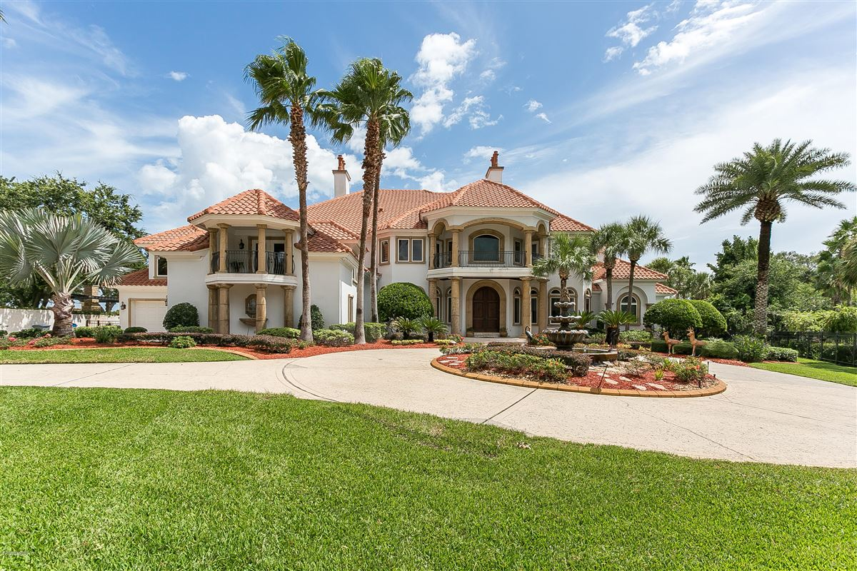 Luxury real estate large home on NAVIGABLE WATERFRONT ESTATE LOT