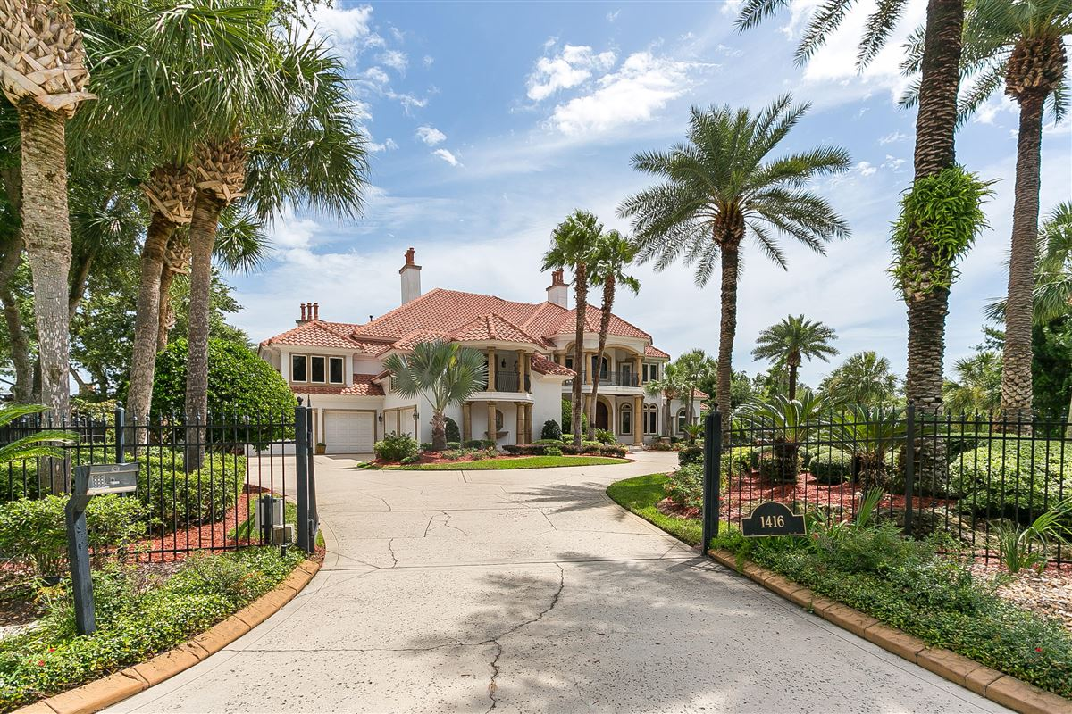 large home on NAVIGABLE WATERFRONT ESTATE LOT  luxury real estate