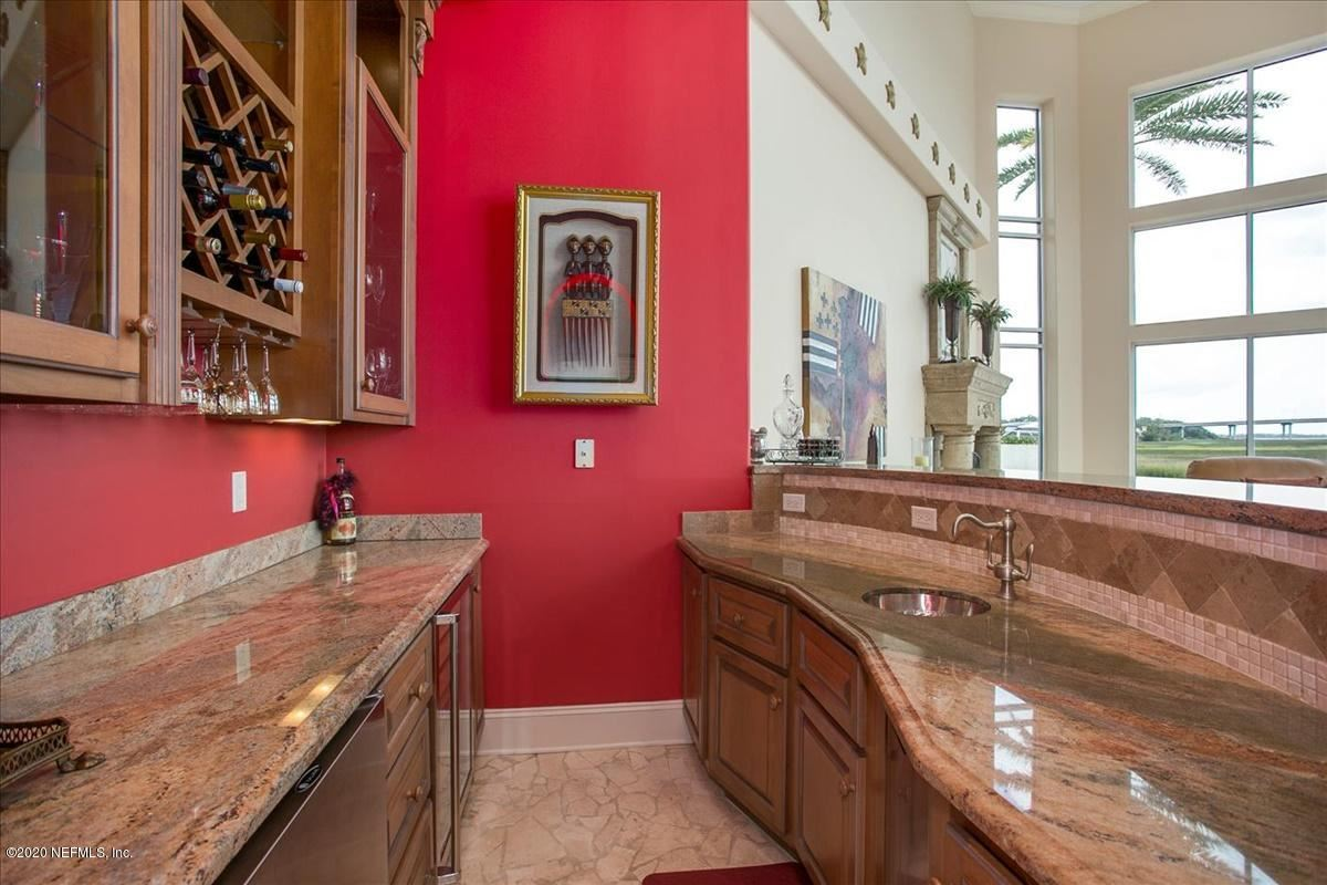 Luxury homes large home on NAVIGABLE WATERFRONT ESTATE LOT