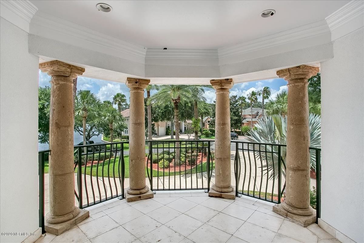 large home on NAVIGABLE WATERFRONT ESTATE LOT  luxury homes