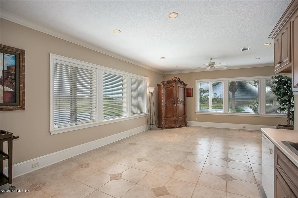 Mansions in large home on NAVIGABLE WATERFRONT ESTATE LOT
