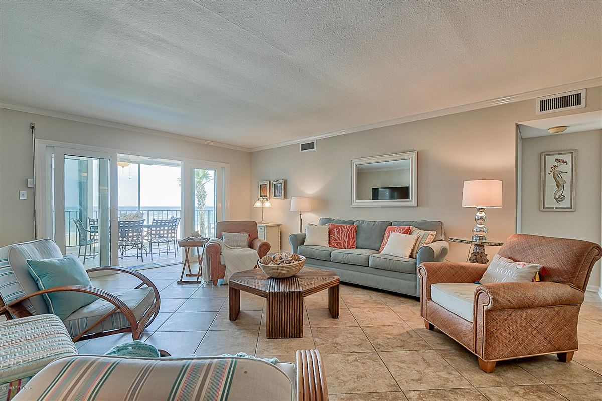 Luxury homes in rare oceanfront opportunity in Breakers South