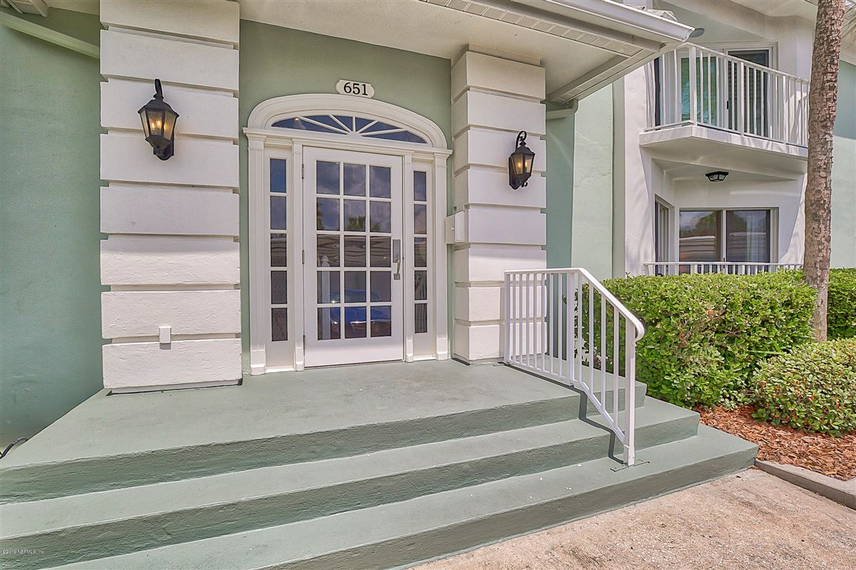 Luxury properties rare oceanfront opportunity in Breakers South