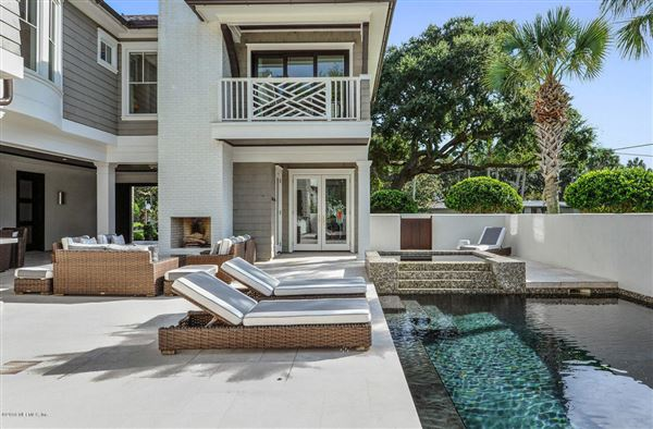 Mansions Breathtaking home offers an expansive open floor plan