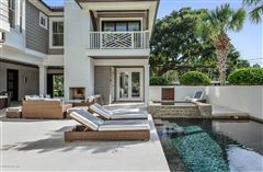 Luxury homes Breathtaking home offers an expansive open floor plan
