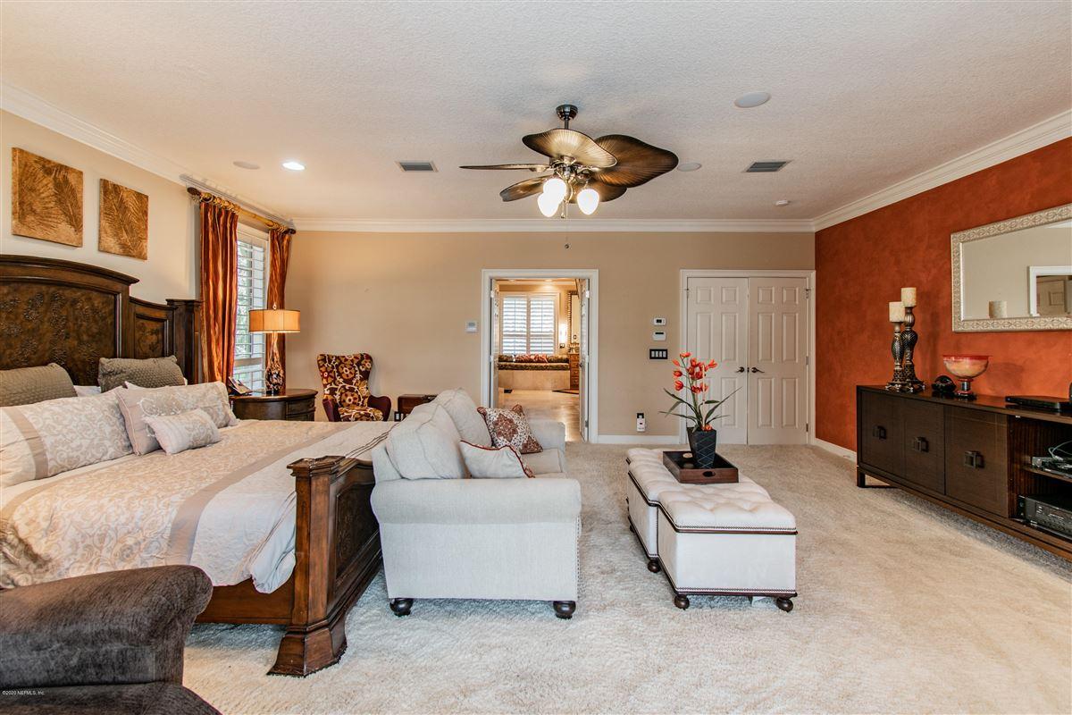 Luxury homes in beautiful home in prestigious Marsh Landing