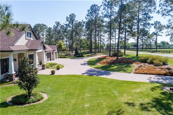 luxury home on five acres in Lakewood Ranches luxury properties