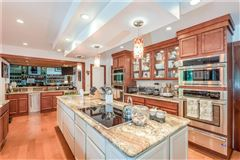 Mansions estate-style home in coveted Knollwood community