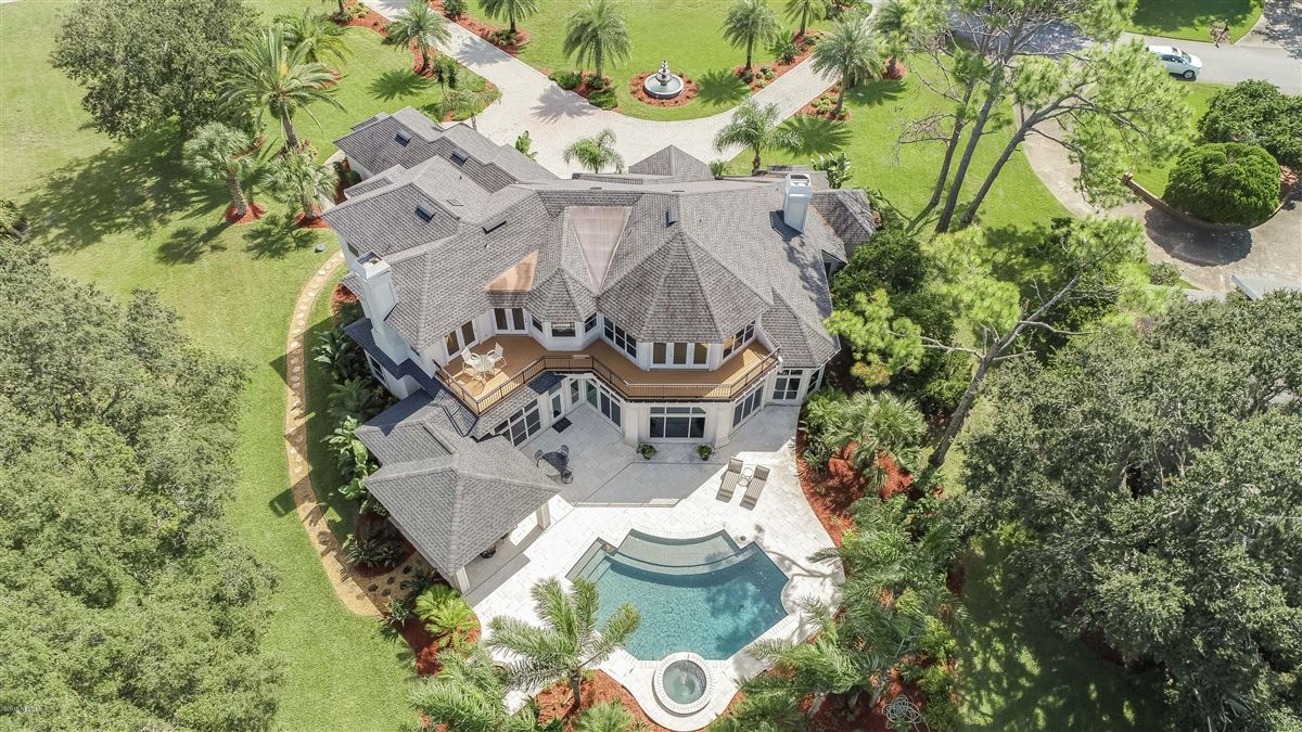 Mansions in Welcome home to this spectacular lake-front home