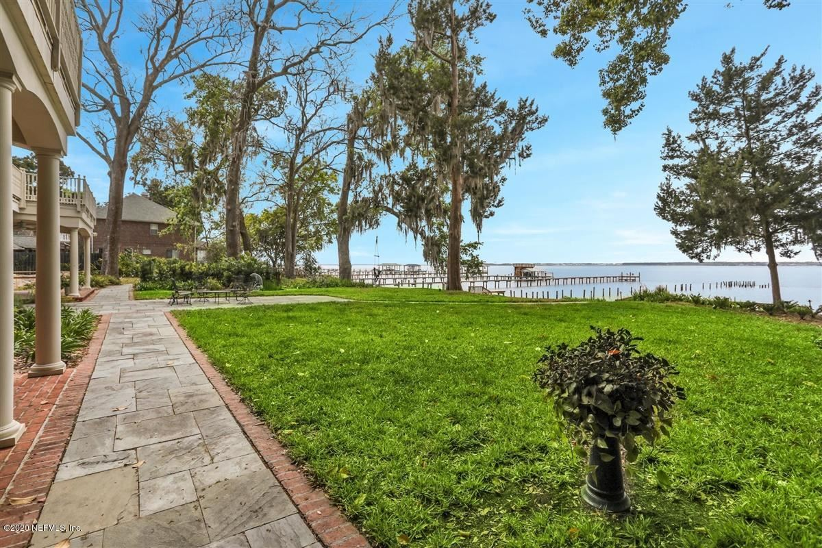 Mansions in Brick riverfront mansion on bluff overlooking St Johns River