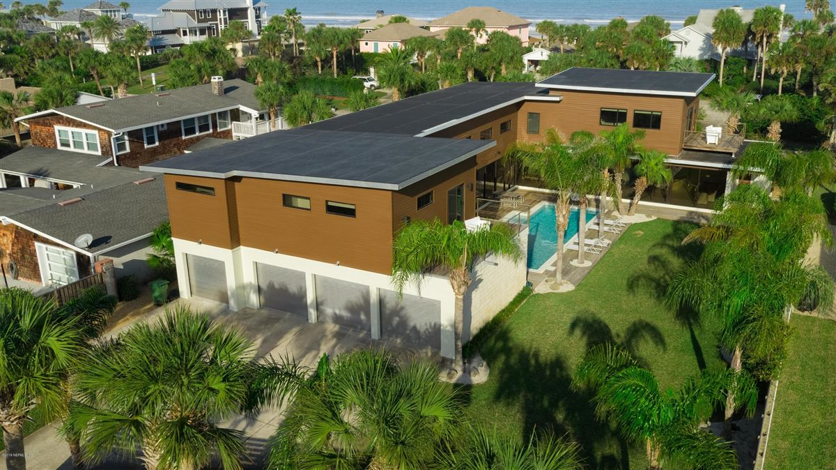 Luxury homes iconic beachside property