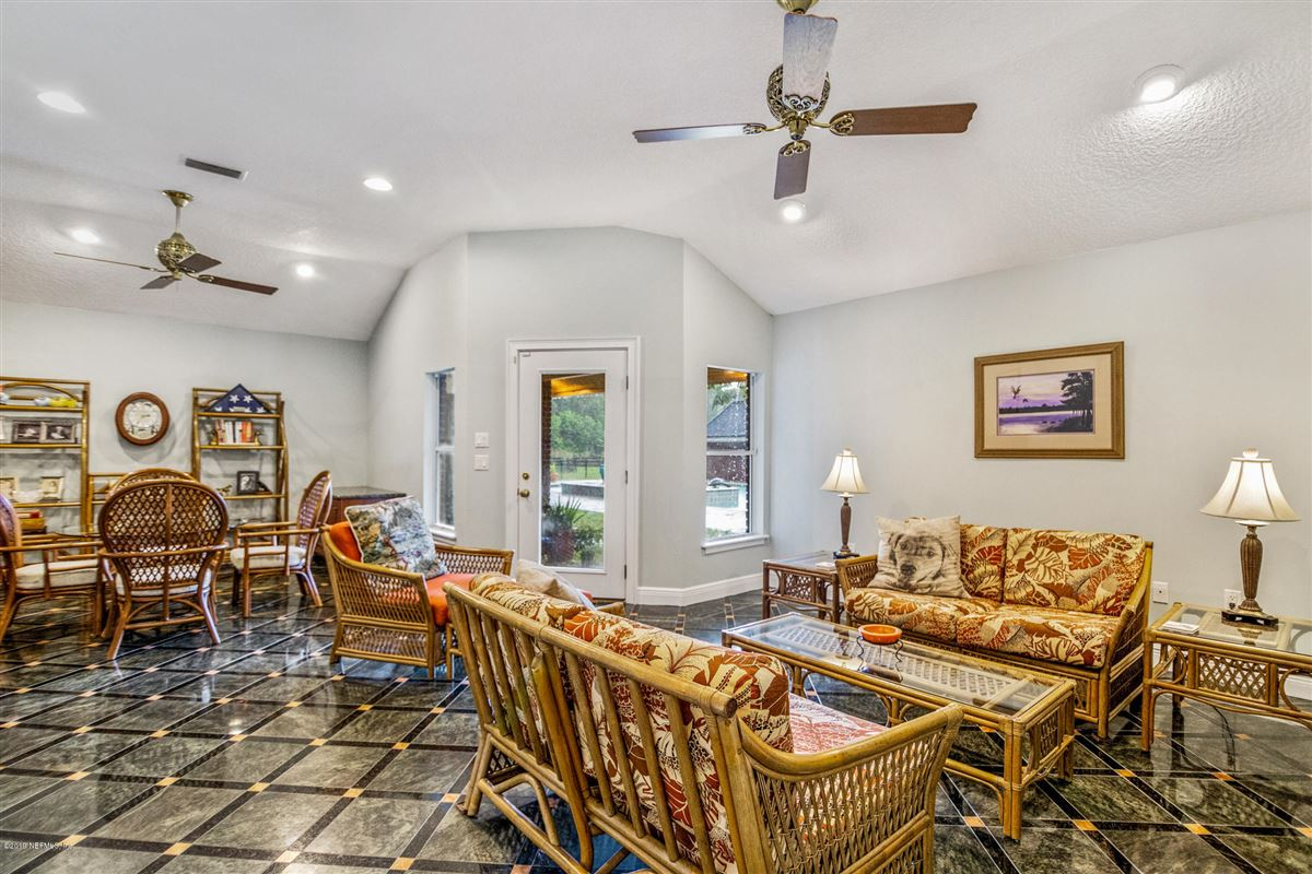 Luxury homes Excellence in coastal living