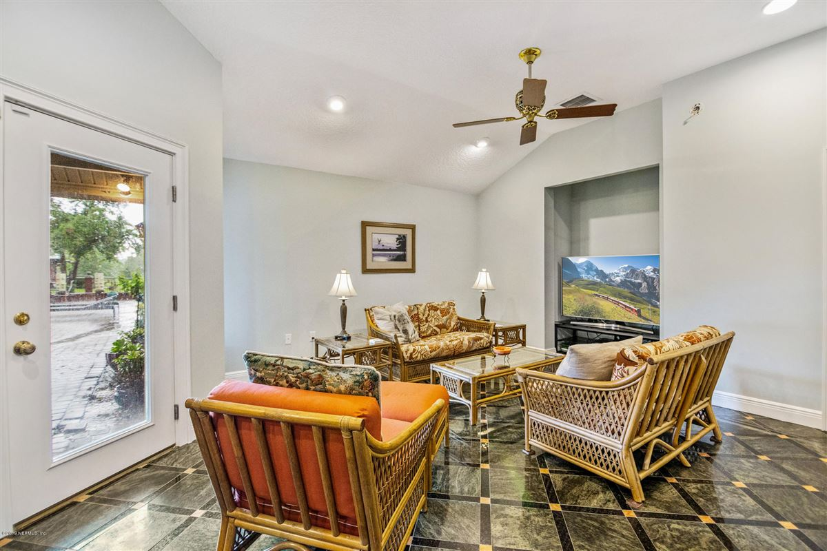Luxury real estate Excellence in coastal living