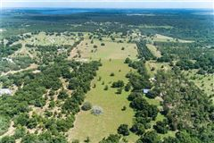 Luxury homes in special 70-acre property