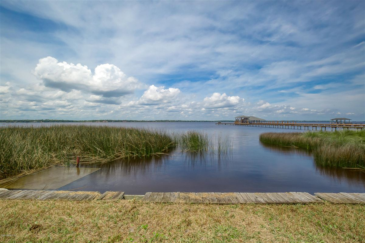 build a new waterfront home luxury properties