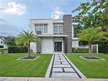 Luxury real estate modern masterpiece in winter park