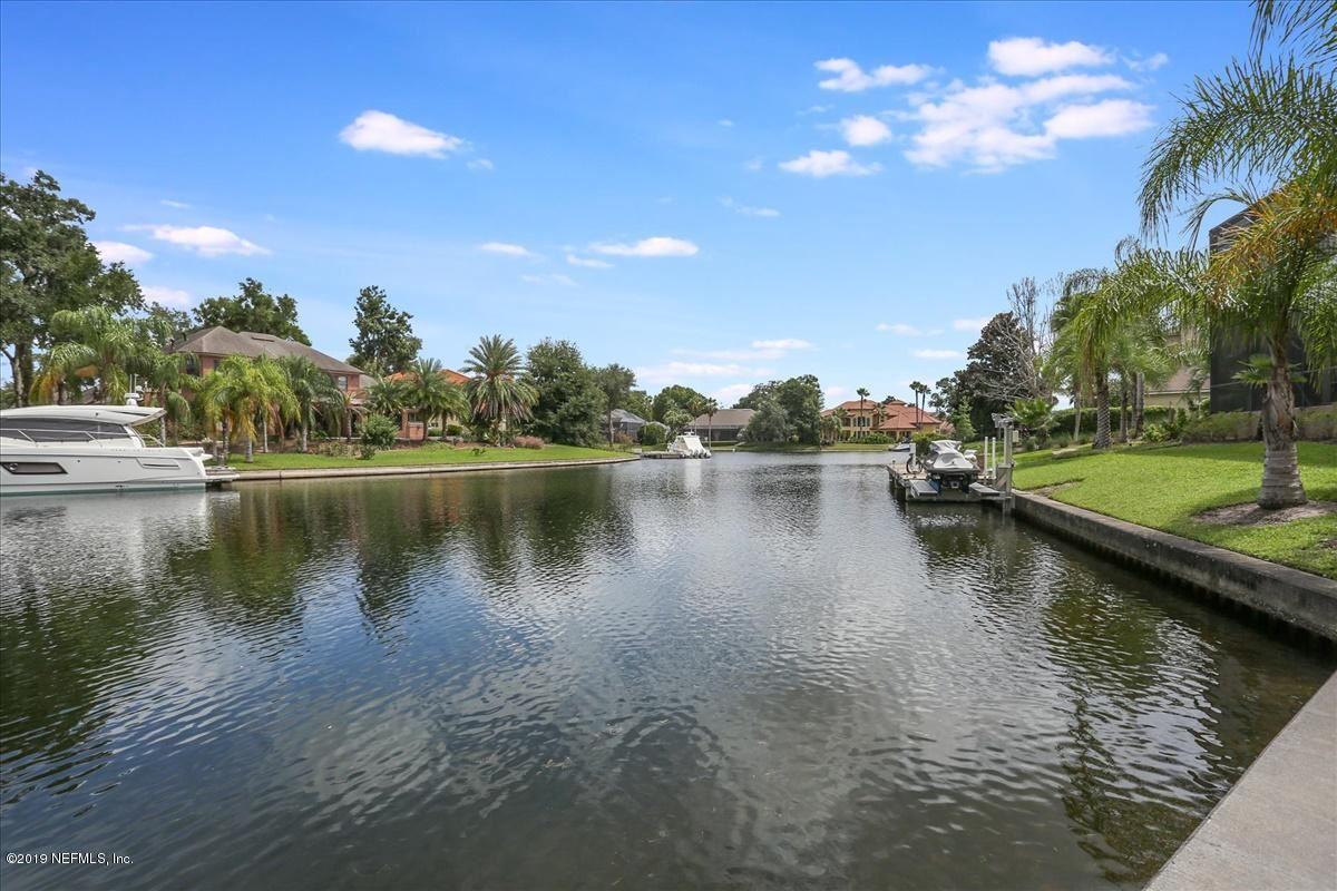 AMAZING NAVIGABLE WATERFRONT ESTATE luxury homes