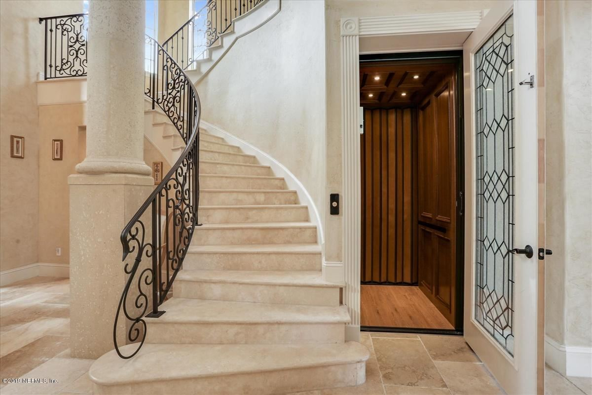 AMAZING NAVIGABLE WATERFRONT ESTATE luxury real estate