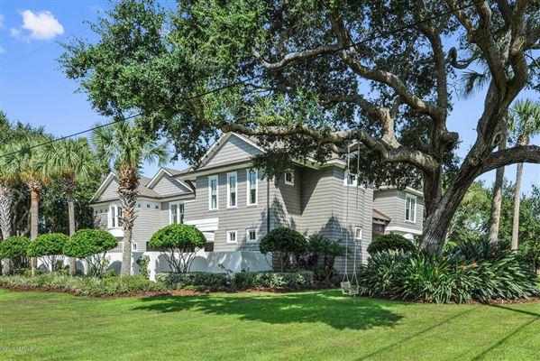 beautiful cedar shake coastal contemporary luxury real estate