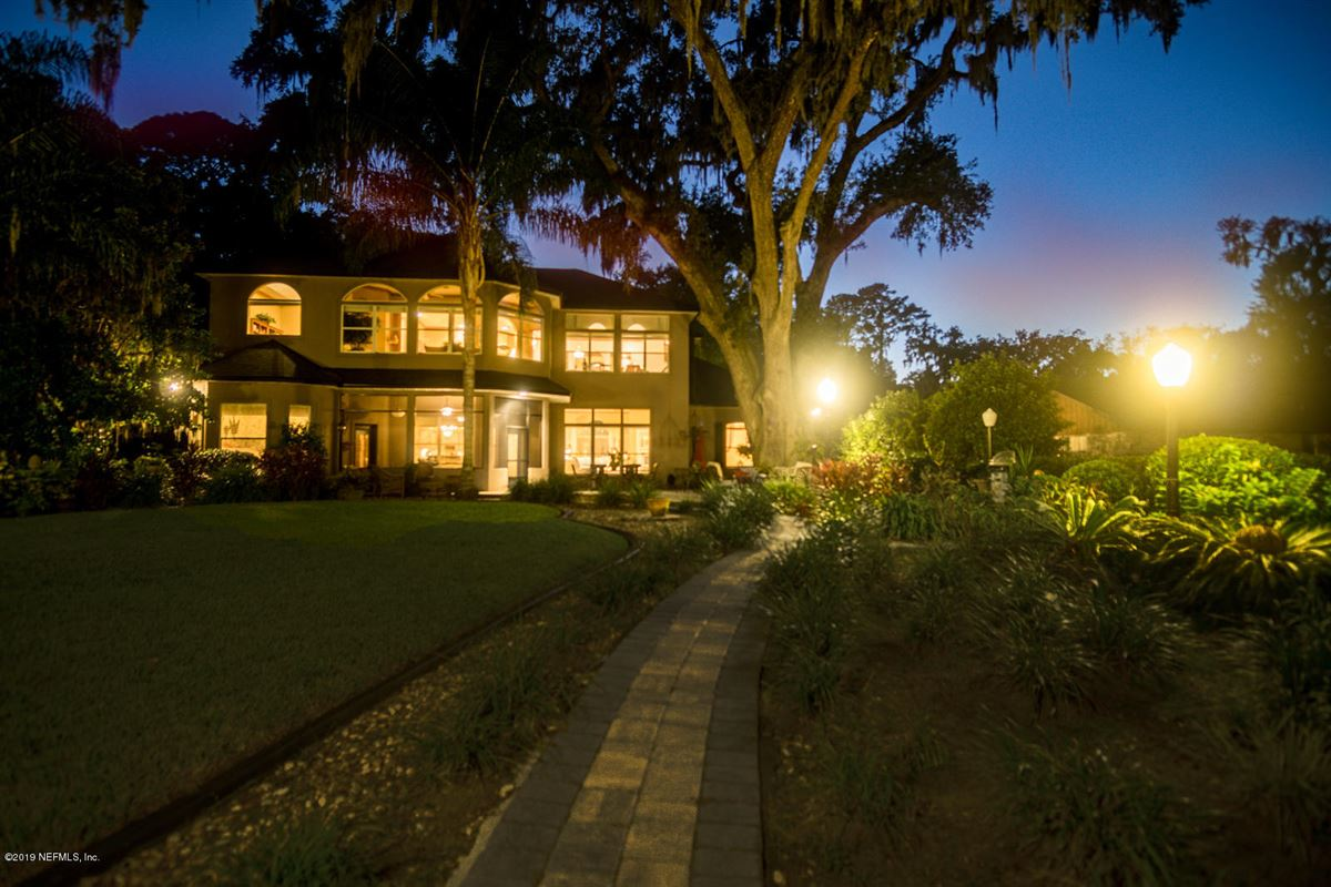 Luxury properties Stunning Riverfront gated home