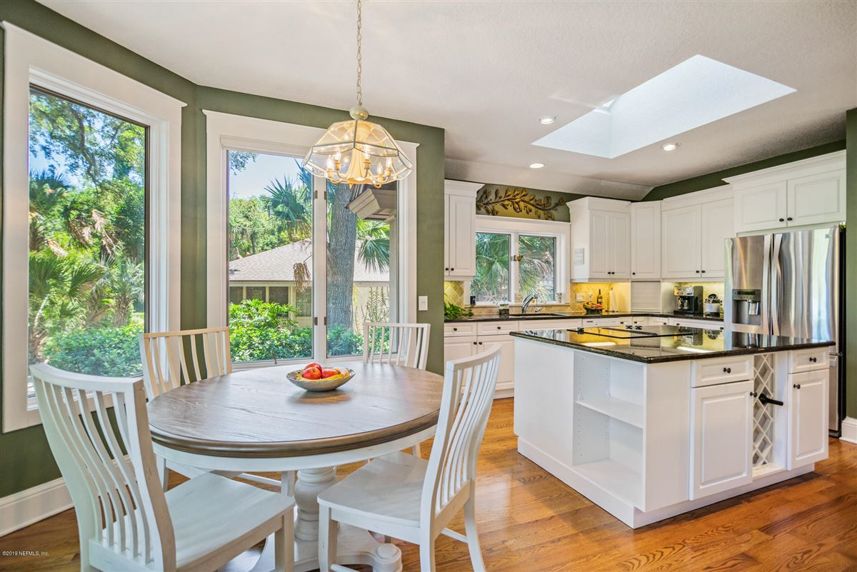 Mansions beautiful home overlooking Oaks Marsh golf course