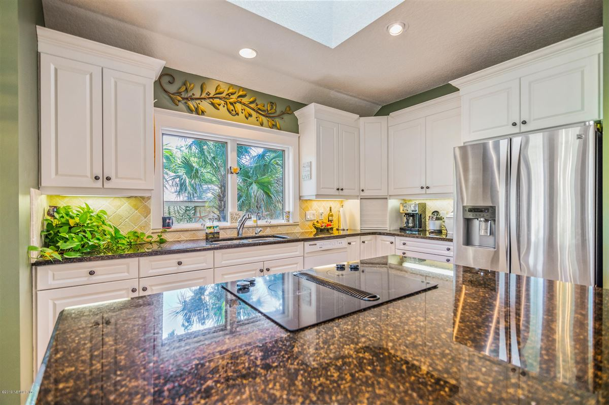 beautiful home overlooking Oaks Marsh golf course mansions