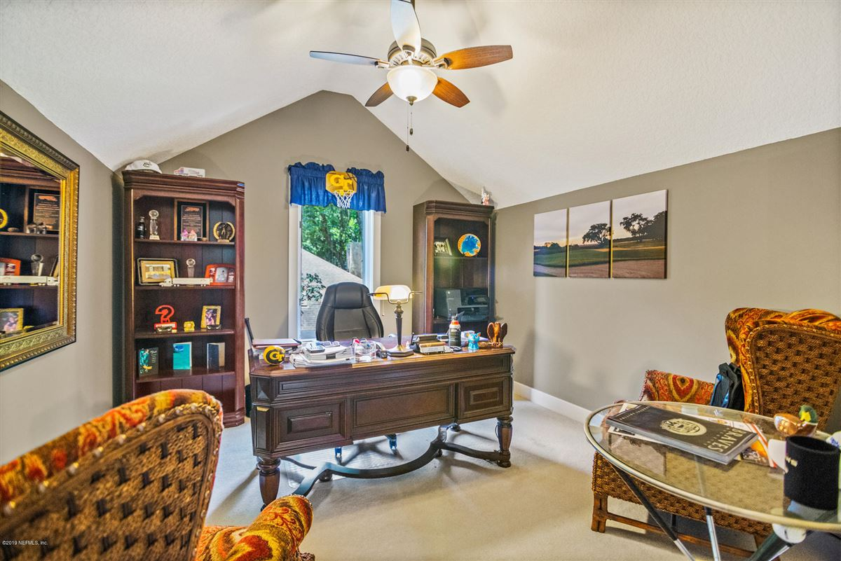 Mansions in beautiful home overlooking Oaks Marsh golf course