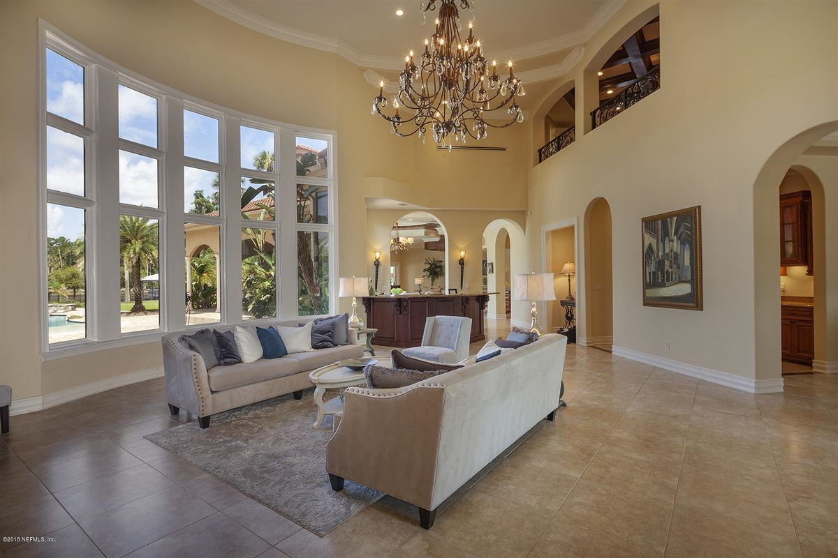 Luxury homes enjoy the ultimate waterfront living experience