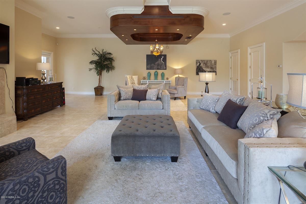 enjoy the ultimate waterfront living experience luxury real estate