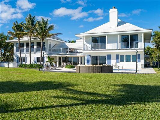 Luxury homes in Casually elegant oceanfront home in vero beach