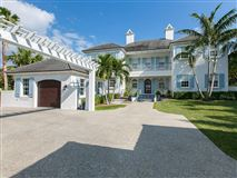 Luxury homes in Magnificent oceanfront estate in vero beach