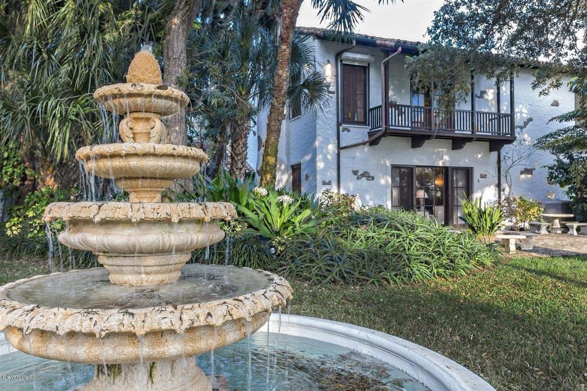 Mansions in Hacienda del Sol