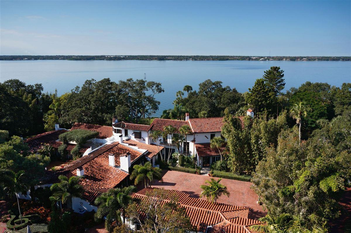 Luxury real estate Hacienda del Sol