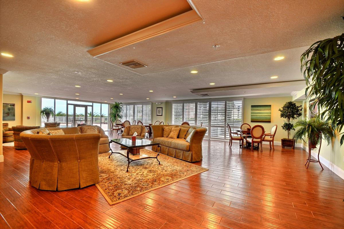 Luxury homes 12th Floor Corner Unit with Ocean Views