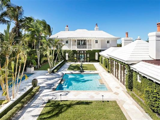 Luxury homes Meticulously crafted Vero Beach riverfront estate