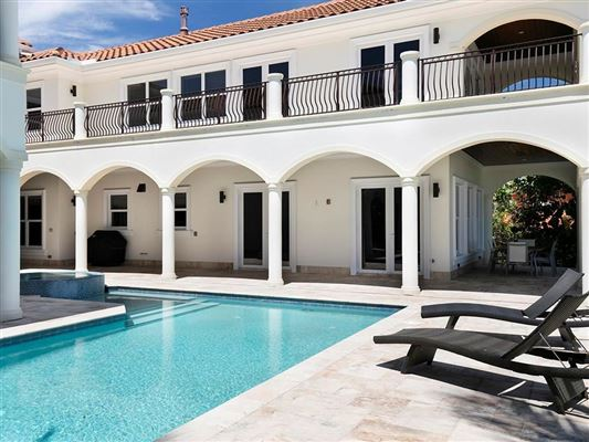 Luxury homes in gorgeous oceanfront estate