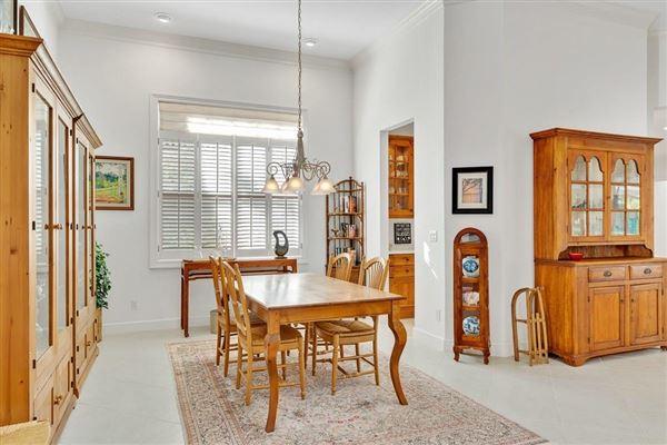 Luxury properties Pristine custom lakefront home