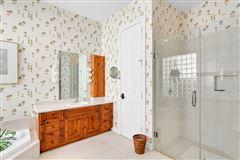 Luxury real estate Pristine custom lakefront home