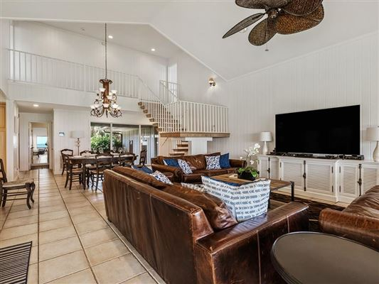 casual and comfortable oceanfront getaway luxury homes
