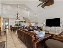 Mansions in casual and comfortable oceanfront getaway