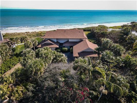 Luxury real estate casual and comfortable oceanfront getaway