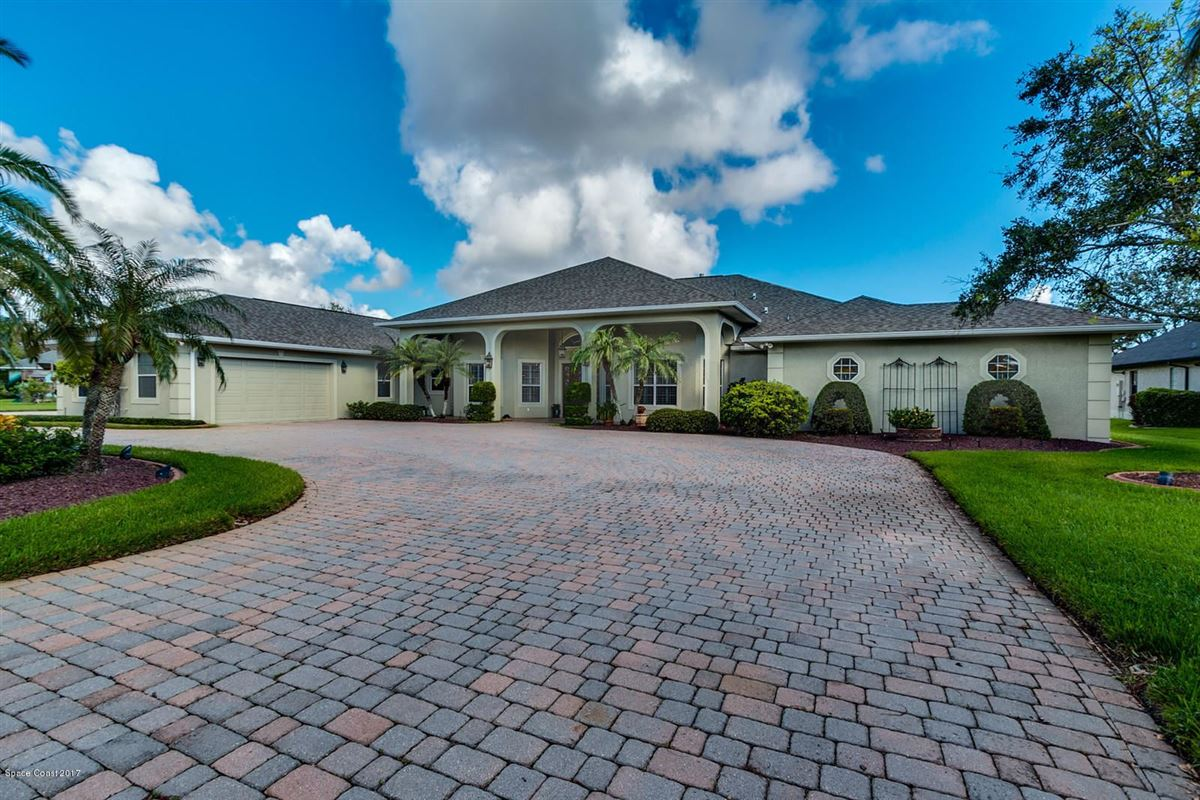spectacular home with lovely curb appeal luxury properties