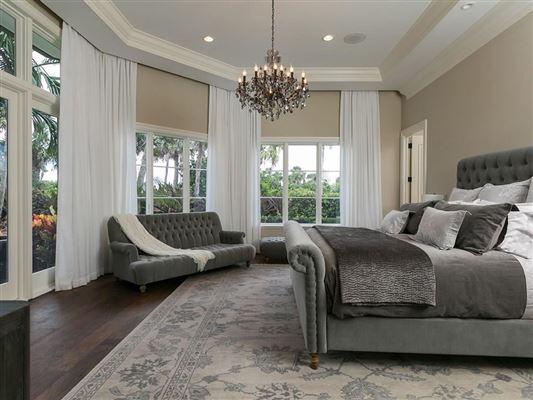 Luxury homes in Elegantly relaxed seaside estate