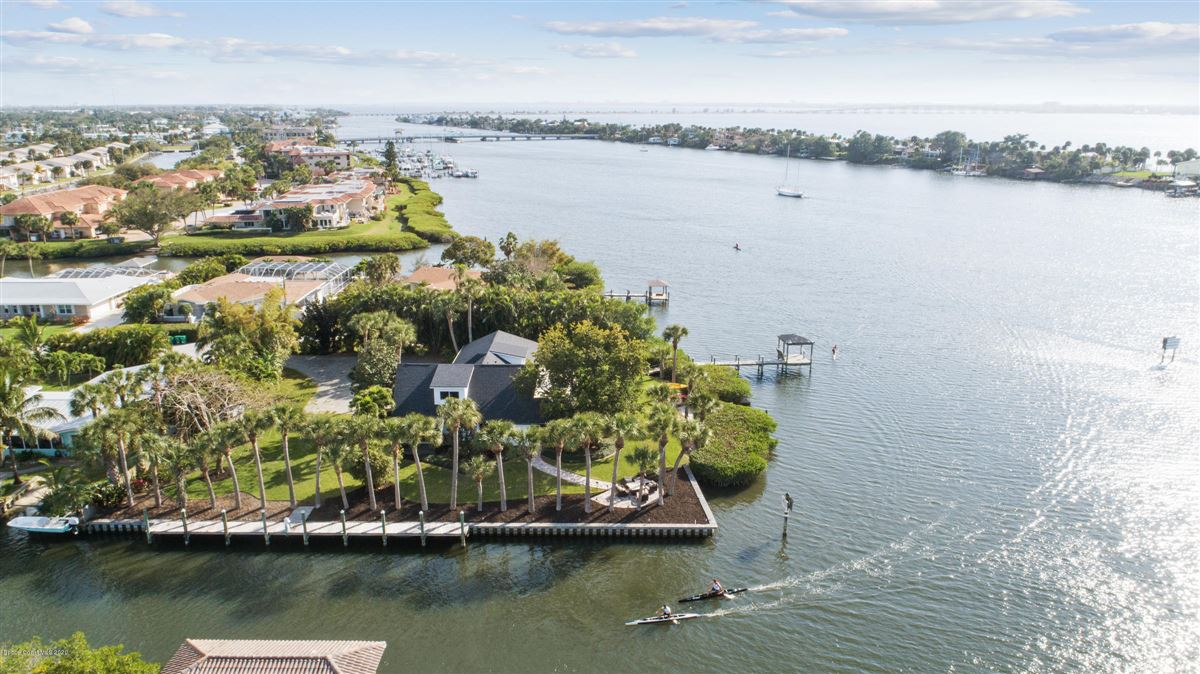 Exquisite Indian River Point Lot mansions