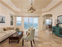 Luxury homes sweeping views of the ocean