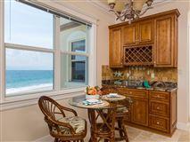 Luxury homes in sweeping views of the ocean
