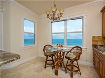 Mansions in sweeping views of the ocean